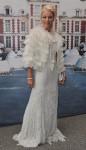 Tamara Beckwith de vestido e capa Ralph Lauren Vintage